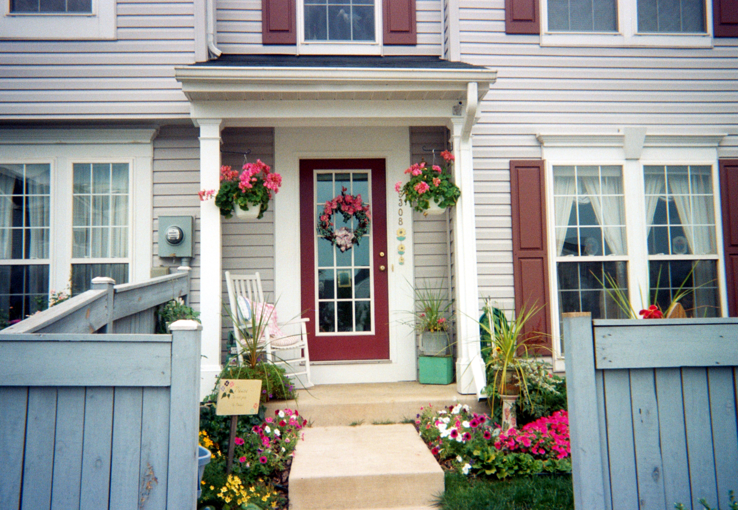 Photos of conjoined townhouse front porch ideas joy for Gallery porch