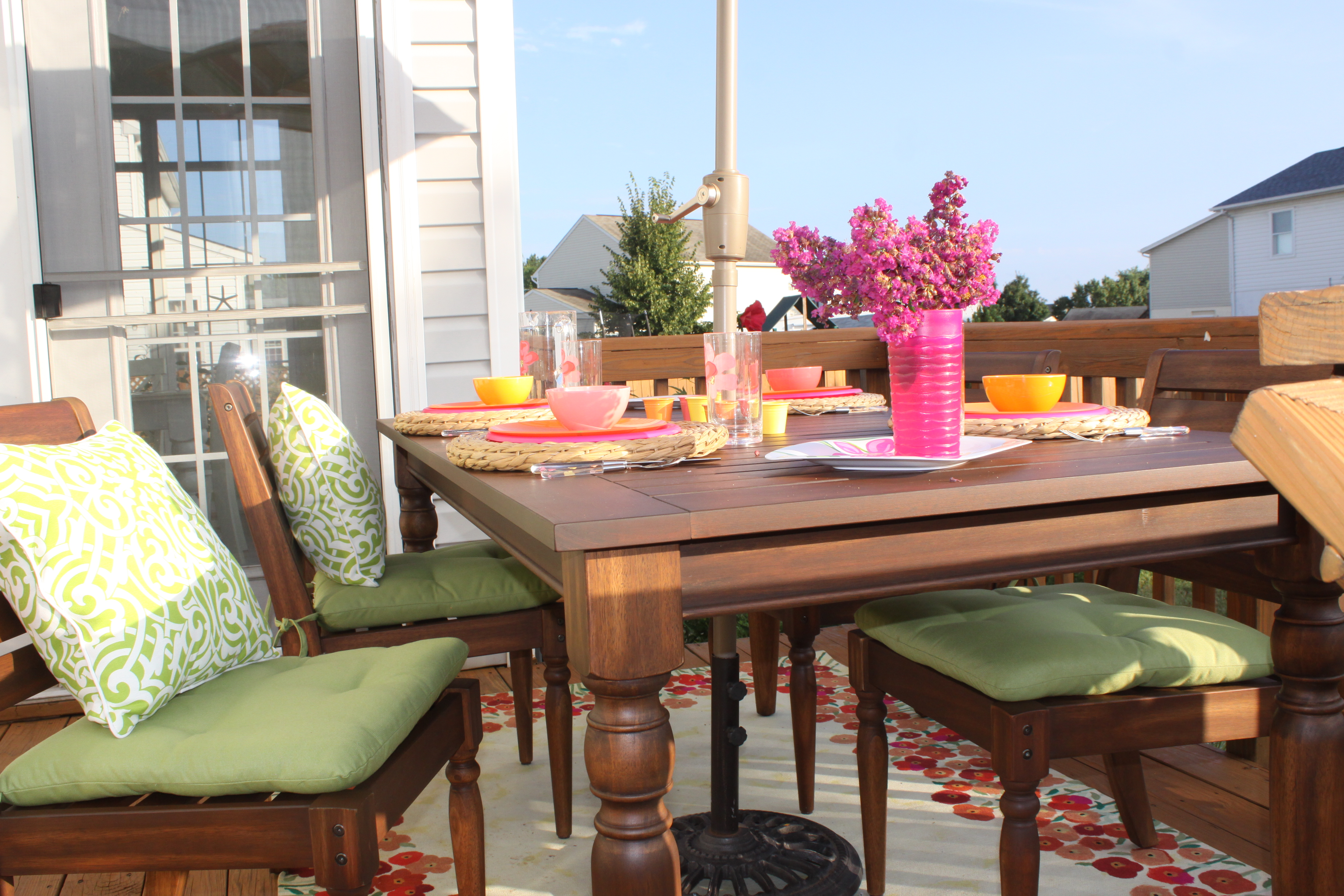 Outdoor Dining Furniture Makeover